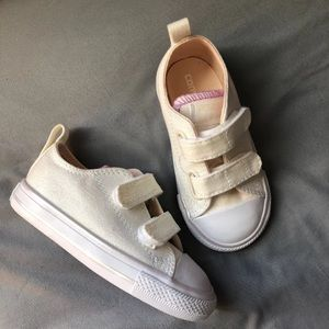 New Girls Converse Velcro Classic Shoes